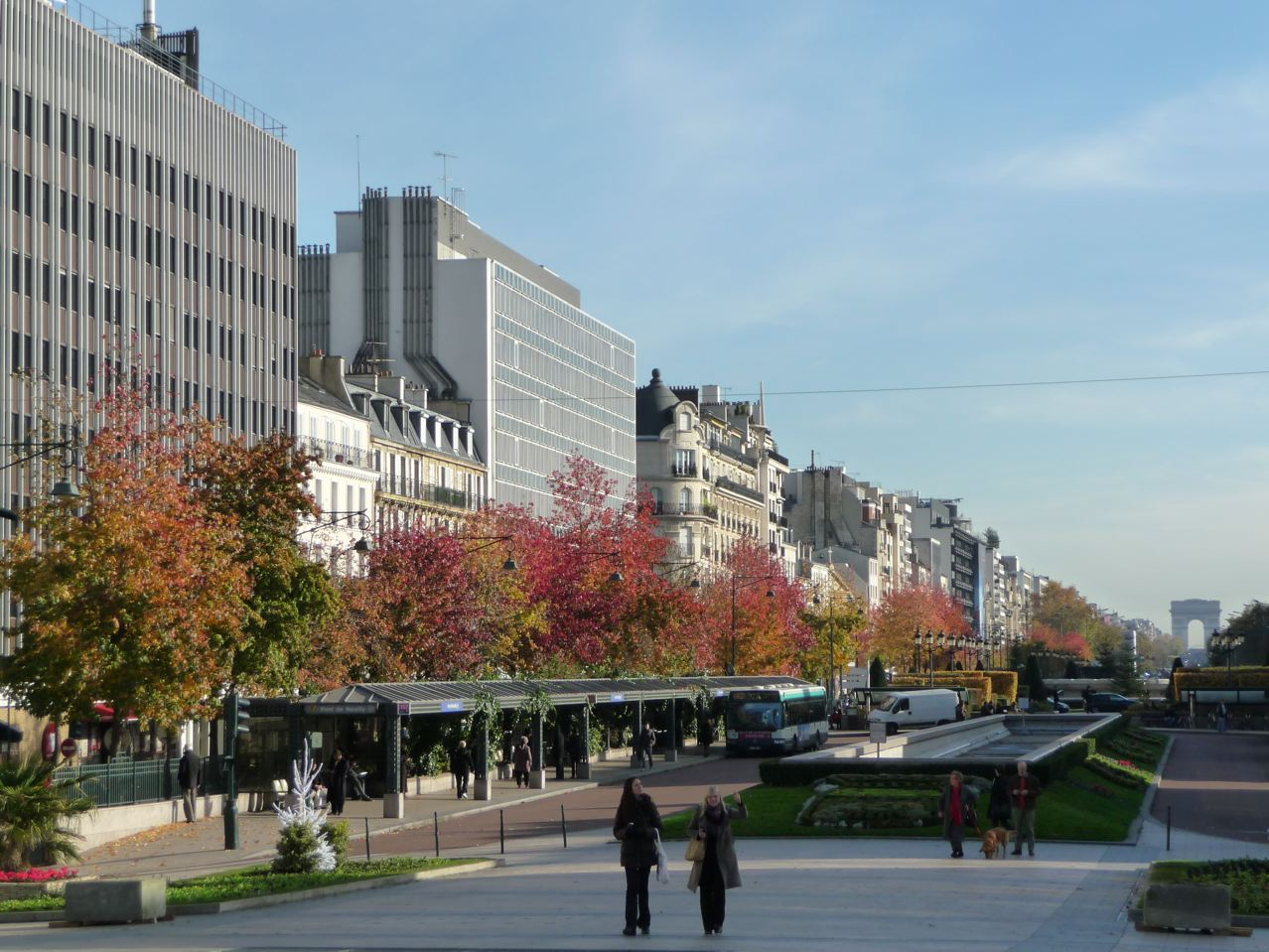 Neuilly sur seine o travailler o trouver ses bureaux for Piscine neuilly sur seine horaires